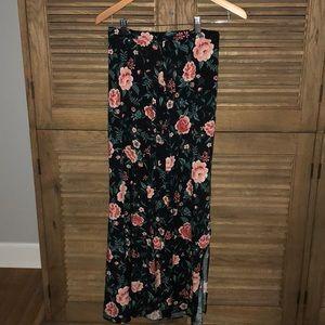 Flower patterned long skirt
